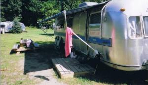Campen mit Stil in Kates Lazy Meadow Motel