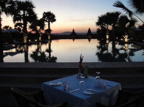 Bagan - Restaurant am Pool