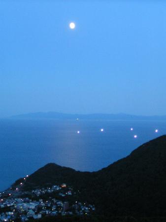 Mokkaido - Fischerboote in einer Mondscheinnacht