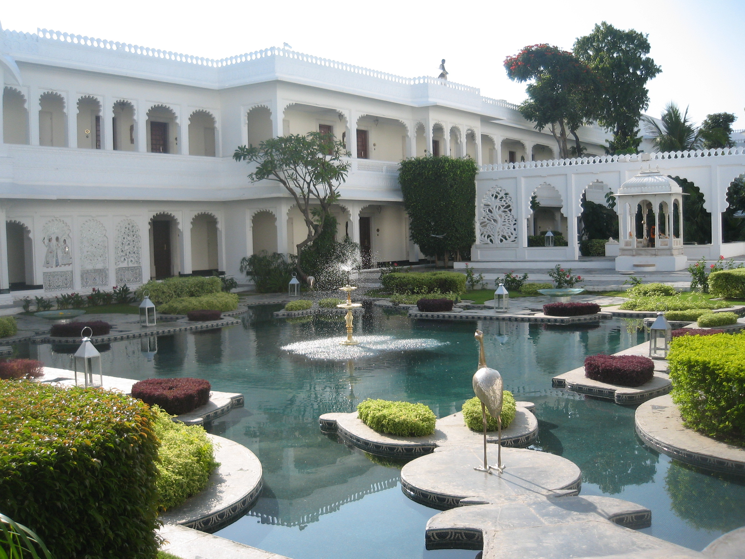 Cached Taj lake palace pictures